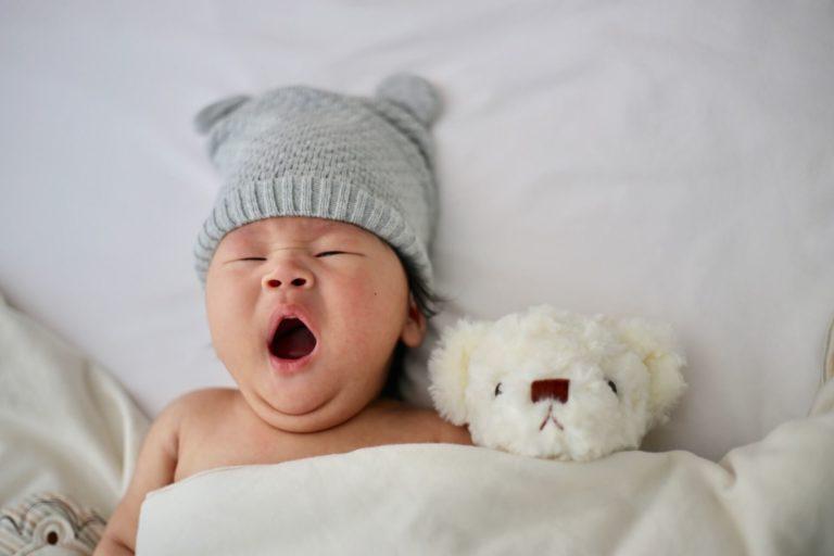 quoi faire quand bébé pleure