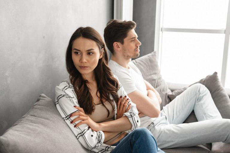 tensions-divorce-dialogue-couple