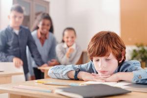 Comment aider son enfant à surmonter un harcèlement scolaire ?